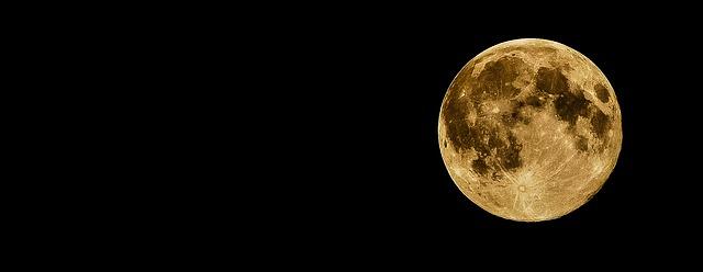 full-moon-415501_640