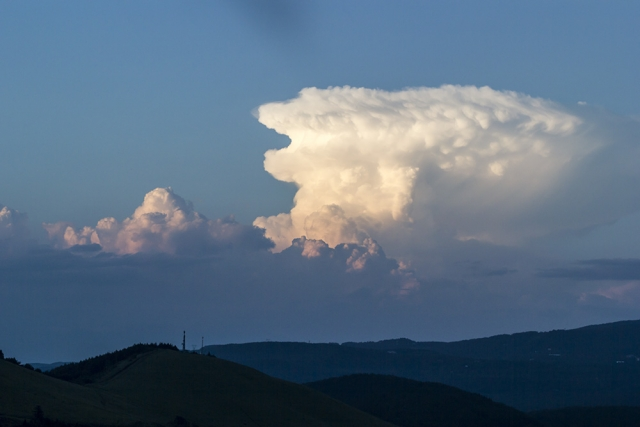 天気が荒れる前兆を見逃すな!雲や風の変化は天候が変わる